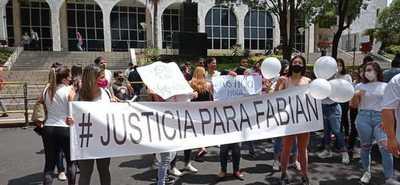 """Familiares de joven asesinado exigen que """"Papo"""" Morales vaya a Tacumbú"""