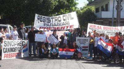 HOY / Anuncian huelga si no aumentan presupuesto al Registro Civil