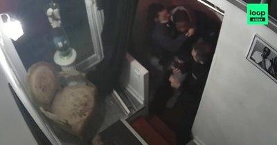 La Nación / Indigna brutal paliza a un hombre negro en Francia