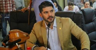 """""""Nenecho"""" denuncia que quieren sacarlo de la Municipalidad"""