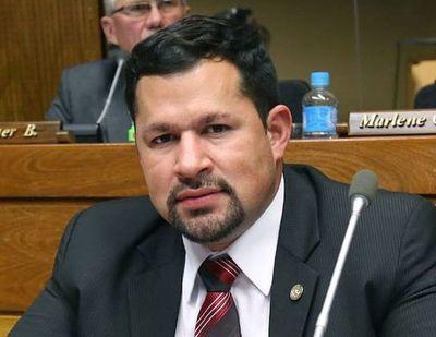 "Quintana pedirá que levanten su restricción de no poder salir de Capital para ""cumplir con su rol Constitucional"""