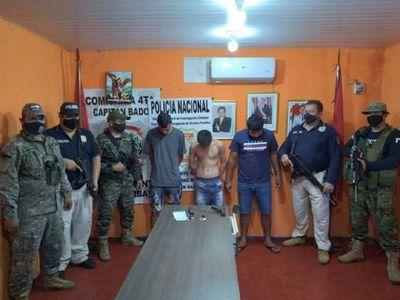 Cuatro personas aprehendidas tras enfrentamiento con la Policía Nacional