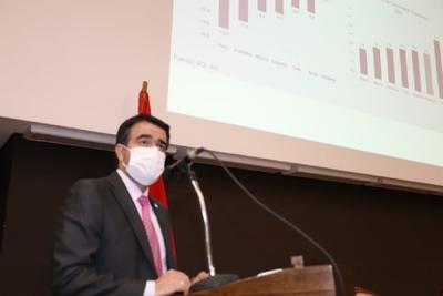 Óscar Llamosas: «Paraguay tiene todas las condiciones para recuperarse»