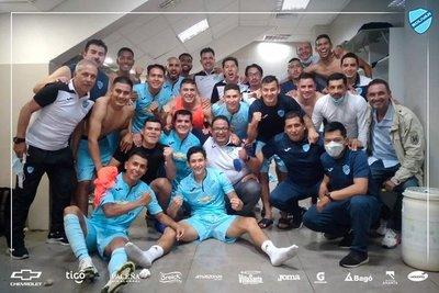 Bolívar triunfa con gol de Fidencio Oviedo