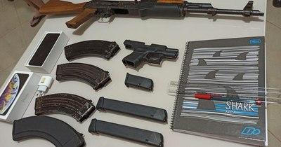 La Nación / Cuádruple homicidio en PJC: detienen a sospechoso con fusil AK-47