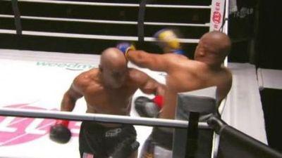 Mike Tyson volvió al boxeo a los 54 años, mostró un gran nivel y brilló en la exhibición ante Roy Jones Jr.