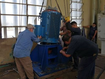 Histórico cambio de electrobombas en la planta de agua de Viñas Cué, tras 38 años
