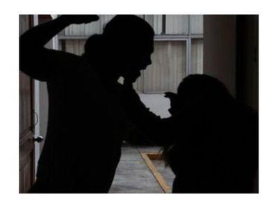 Acusan a milico de golpear a su novia para que abortara