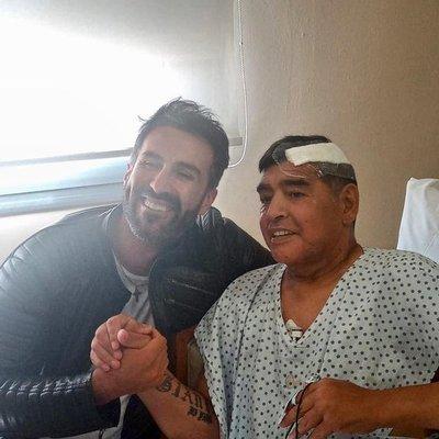 Allanan la casa y el consultorio del médico Leopoldo Luque por la muerte de Diego Maradona » Ñanduti