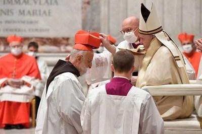 Francisco: los nuevos cardenales no deben usar su título en beneficio personal