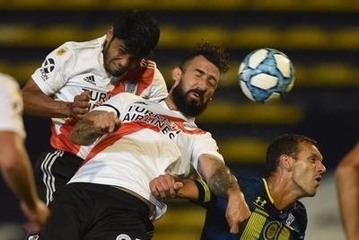 Robert Rojas anota en el triunfo de River Plate