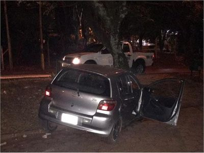 Joven fallece en accidente al chocar contra un árbol en Ciudad de Este
