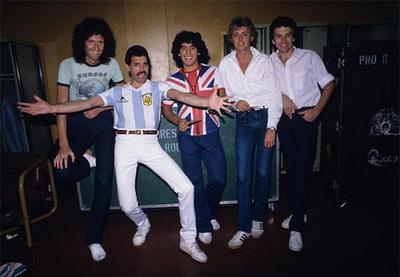 Queen se pronuncia tras la muerte de Maradona.