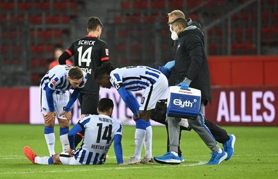 Alderete se retiró lesionado en el empate del Hertha ante Leverkusen