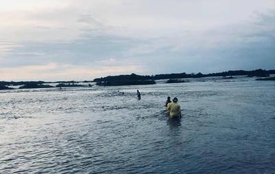 HOY / Ayolas: cuatro personas desaparecen en el río Paraná tras ser arrastradas por la corriente