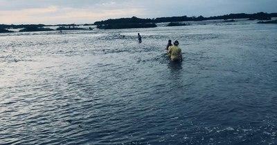 La Nación / Hallan tercer cuerpo de las cuatro personas arrastradas por el río Paraná en Ayolas