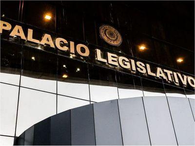 Legislativo se autoprivilegia y podrá contratar personal sin restricciones
