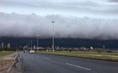 Pronostican lunes cálido con precipitaciones y ocasionales tormentas eléctricas