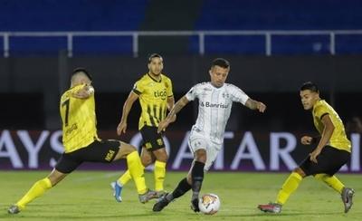 HOY / La Libertadores, aún de luto, define a sus ocho mejores equipos