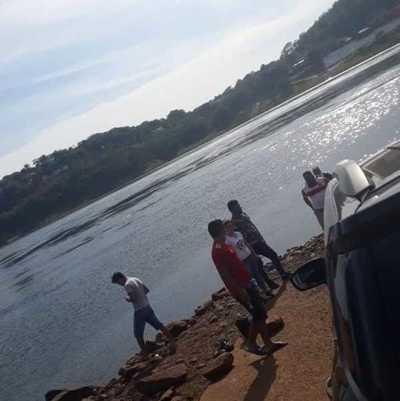 Adolescente muere ahogado en aguas del río Paraná