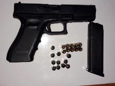 """Narco mató de cinco tiros a un joven al enterarse que le """"serruchaba"""" la novia"""