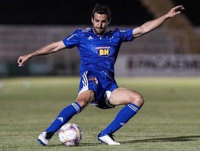 Raúl Cáceres, un gol más y en el once ideal del Brasileirão B