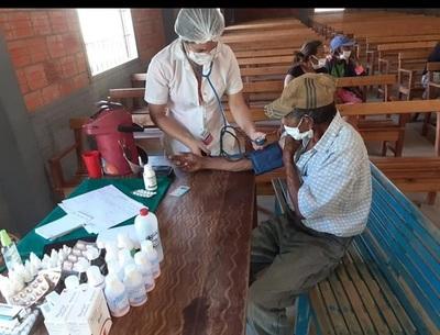 Comunidades indígenas chaqueñas reciben asistencia médica