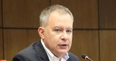 """La Nación / Deudas del PLRA: """"Esta administración hizo un desastre con el dinero público"""""""