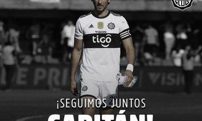 Roque Santa Cruz seguirá un año más como futbolista profesional