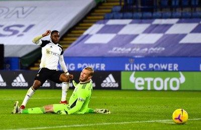 Leicester cae ante el Fulham y le pierde pisada a los de arriba