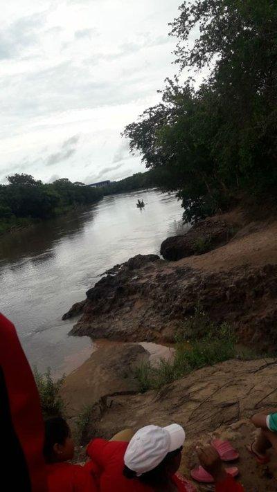 Joven desaparece en aguas del río Ypane