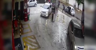 Asalto a servicentro en Fernando de la Mora: Delincuentes se llevaron importante botín