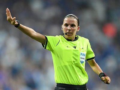 Frappart será la primera mujer que arbitre un partido de la Champions