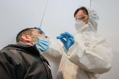 Covid-19: una de cada cuatro personas da positivo al virus