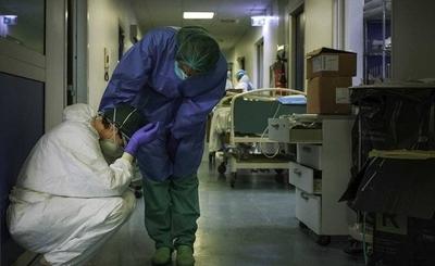 """HOY / Médicos desesperados hacen llamado de auxilio a la ciudadanía: """"Basta de joda, estamos saturados"""""""