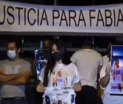 Piden justicia para Fabián Marín frente a Telefuturo