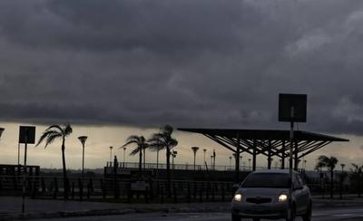 HOY / Chaparrones hoy, seguidilla de lluvias y tormentas desde mañana