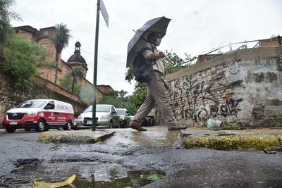 Calor y precipitaciones persistirán durante toda la semana