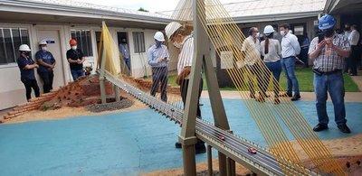 Cuanto PARAGUAYOS trabajan en la construcción del Puente de la Integración