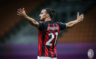 """HOY / Ibrahimovic: """"Me siento como Benjamin Button, rejuvenezco cada año"""""""