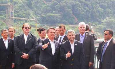 Mandatarios de Paraguay y Brasil se reúnen para verificar avance del Puente de la Integración