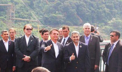 Mario Abdo y Bolsonaro se reúnen para verificar avance del Puente de la Integración