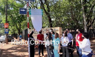 Calle pasa a llamarse oficialmente «Guillermina Núñez de Báez»
