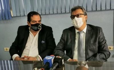 Directivos de sanatorio anuncian acción legal tras denuncia por acoso