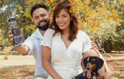 Silvia Romero le cambió la vida a una perrita callejera