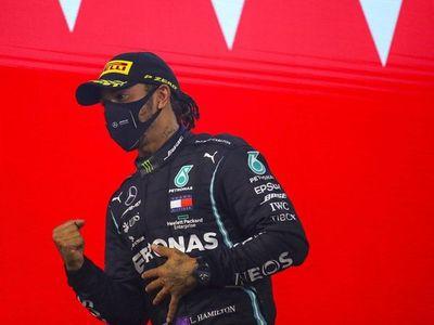 """Hamilton se siente """"bien y sólo con síntomas leves"""""""