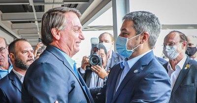 La Nación / Abdo Benítez y Bolsonaro se reúnen en la línea fronteriza