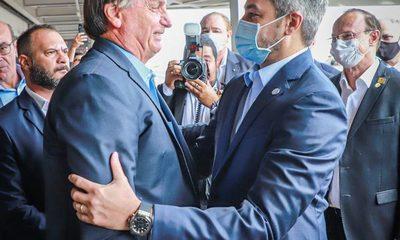 Mario Abdo y Jair Bolsonaro visitan obras del segundo Puente de la Integración
