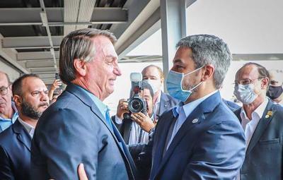 Abdo y Bolsonaro verifican avances del Puente de la Integración