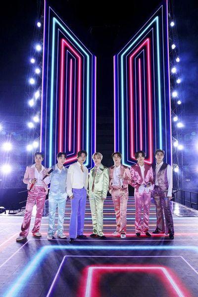 BTS hace historia en la cima del top 100 de Billboard